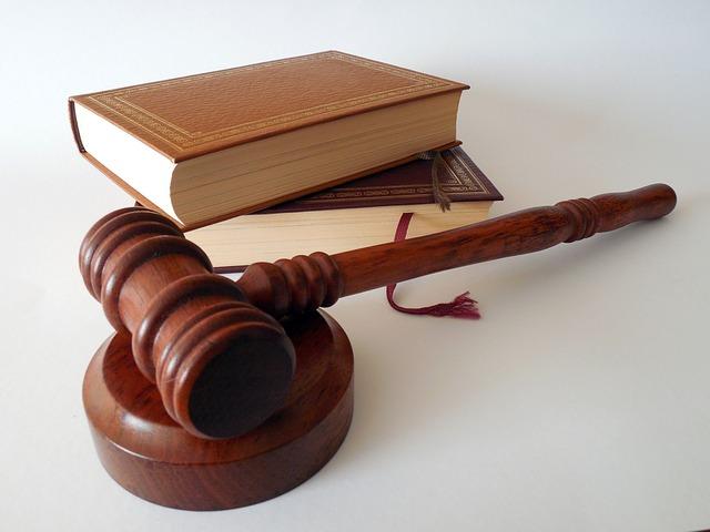 מה חשוב לבדוק לפני שהולכים לעורך דין לענייני משפחה?